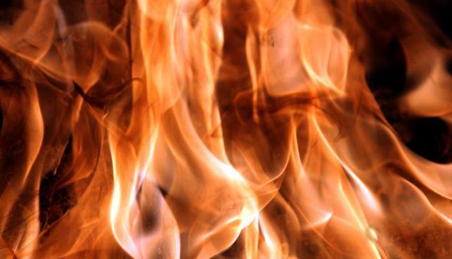 На Волині через влучання блискавки зайнялася вогнем господарська будівля