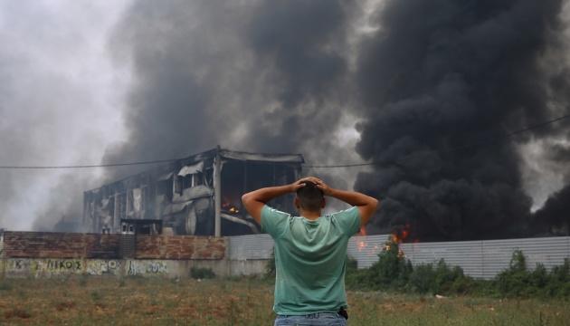 Пожежа на північ від Афін вийшла з-під контролю