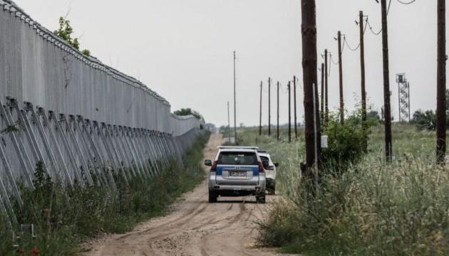 Греція звела 40-кілометрову стіну, щоб запобігти напливу біженців в Європу