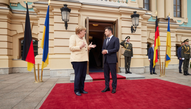 Меркель заявила, що Третій енергопакет ЄС поширюється на Nord Stream 2