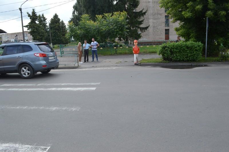 У Ковелі поновлять дорожню розмітку на пішохідних переходах біля шкіл