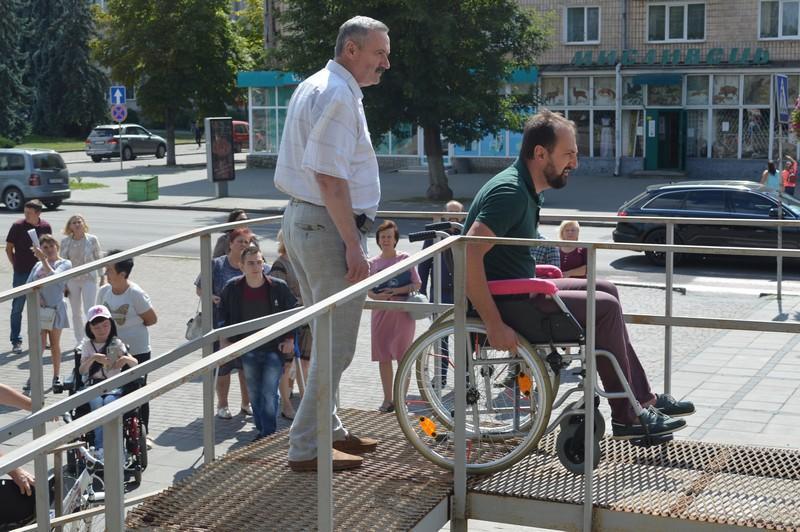 Перший заступник мера Ковеля перевірив доступність міста для осіб з інвалідністю