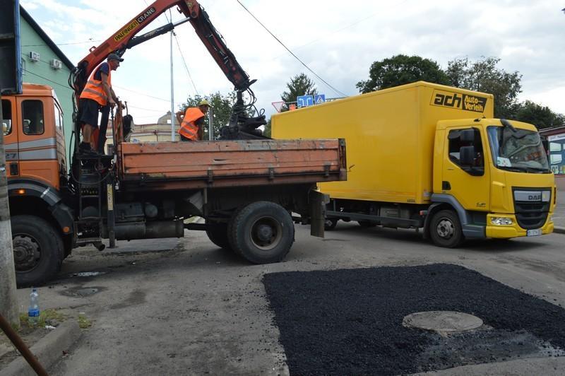 У Ковелі триває поточний ремонт низки доріг