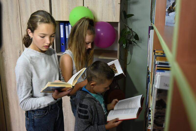 У Заборолі відкрили бібліотеку для дорослих та дітей