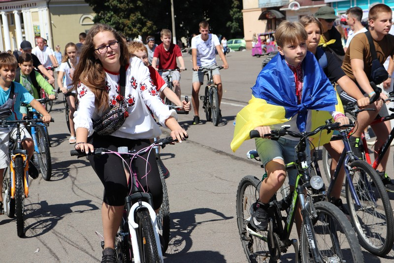 У Володимирі-Волинському півтори сотні велосипедистів узяли участь у велопробізі з нагоди Дня міста