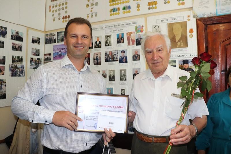 У Володимирі-Волинському привітали із ювілеєм ветерана праці