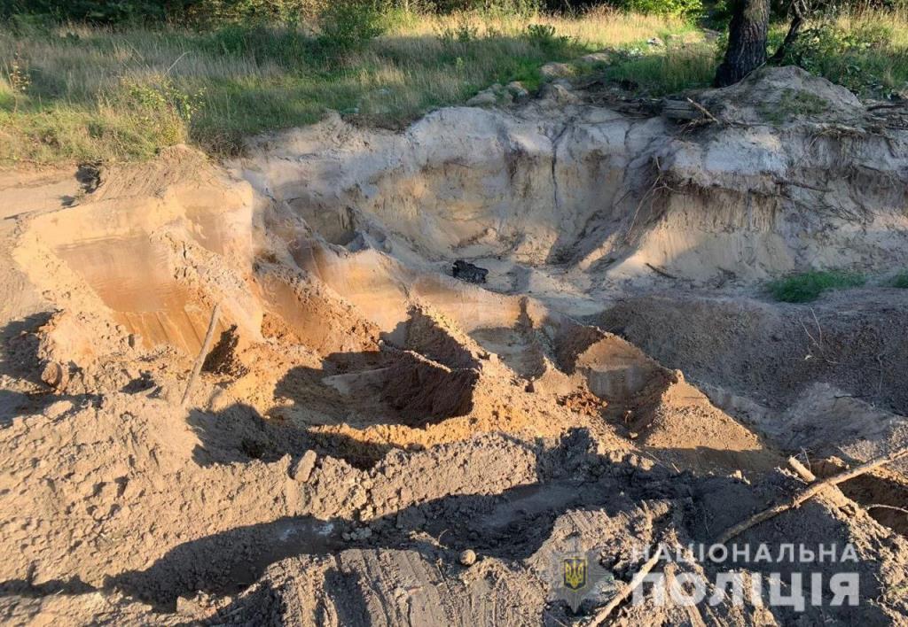 Поліція на Волині відкрила кримінал за фактом ймовірного незаконного видобутку піску
