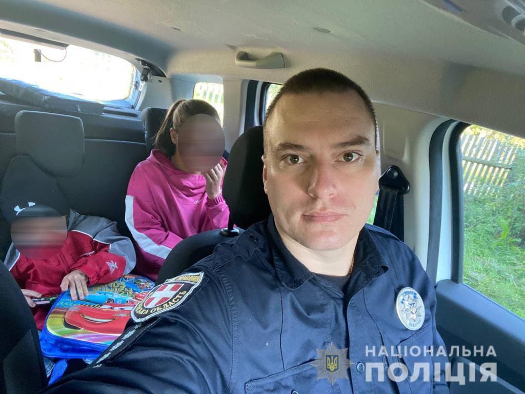 Поліцейський офіцер громади на Волині доставив хворого 4-річного хлопчика до лікарні