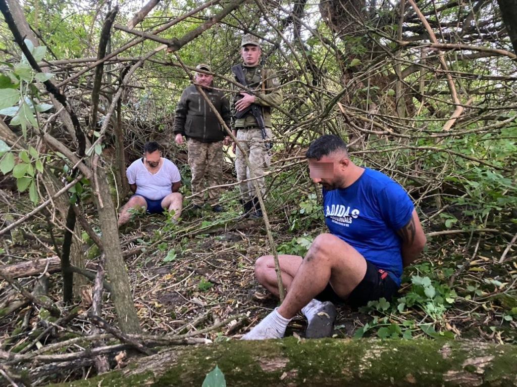 Волинські прикордонники затримали двох ліванців, які через Західний Буг намагалися дістатися до країн ЄС