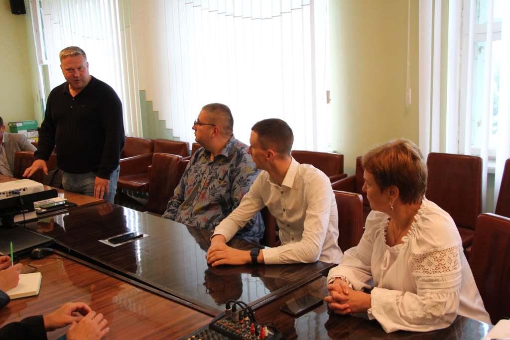На Ковельщині презентували технологію ремонту та будівництва доріг методом холодного ресайклінгу