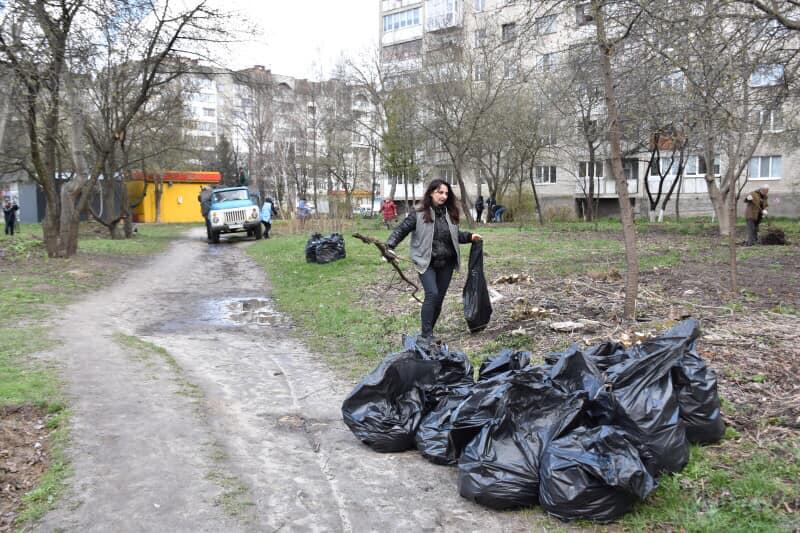 У Луцьку стартувала екологічна всеукраїнська акція «Чиста Україна — чиста Земля!»
