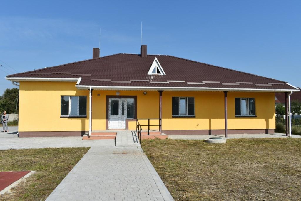 У Рожищі завершують будівництво дитячого будинку сімейного типу