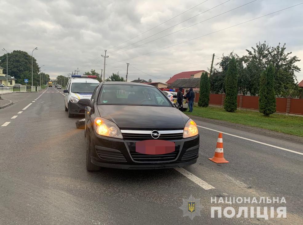 Поліція з'ясовує обставини ДТП за участю Mercedes-Benz та Opel Astra у Володимирі-Волинському