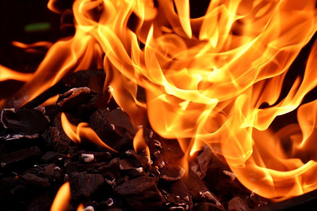 У пожежі у Благодатному постраждав чоловік