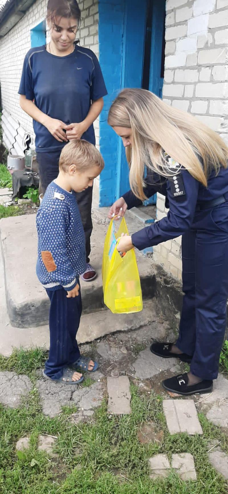 Перевірили умови проживання хлопчика з Горохівщини, який блукав близько доби