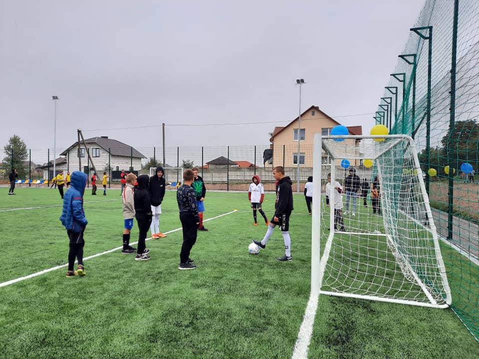 У Рожищі відкрили нове футбольне поле
