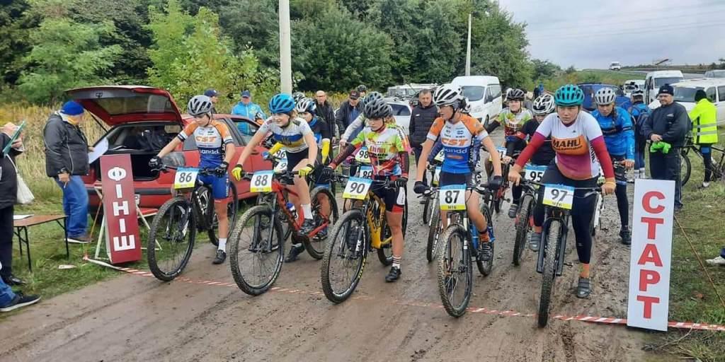 Волинські спортсмени здобули три медалі чемпіонату України з велосипедного спорту крос-кантрі на короткому крузі