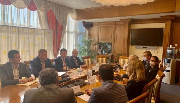 Світовий банк до грудня виділить Україні 230 мільйонів доларів США на боротьбу з COVID-19