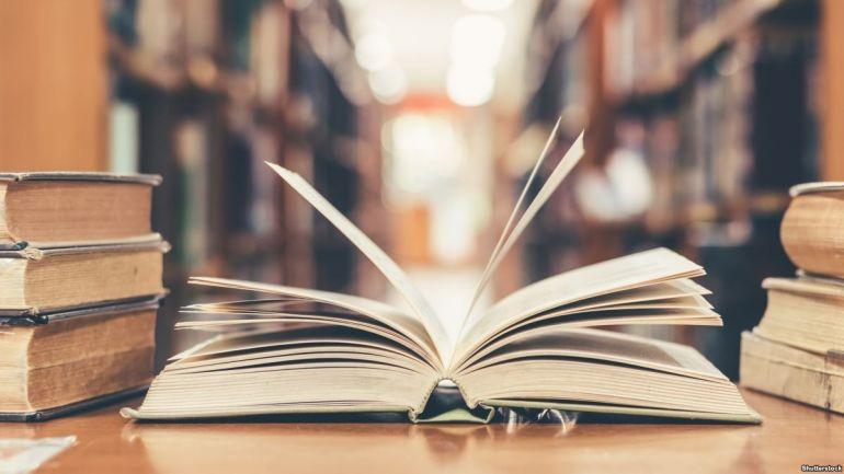 У Нововолинську організовують книжкову толоку