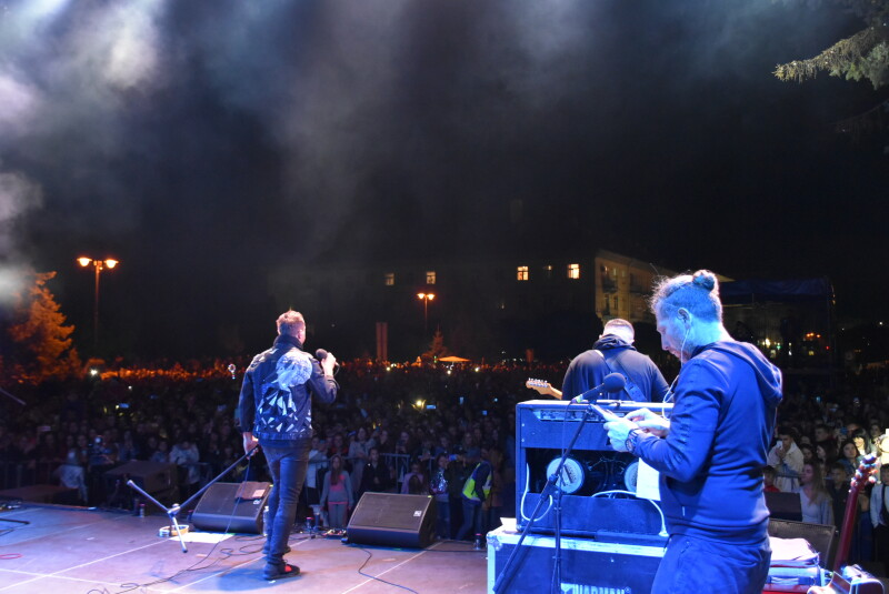 «У ритмі твого міста»: гурт «СКАЙ» запалював вечірній Луцьк