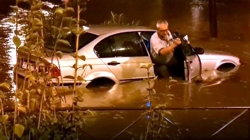 Частину Іспанії накрили сильні зливи, багато районів підтоплені