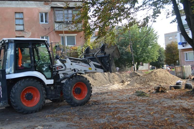 У Ковелі ремонтують чотири прибудинкових території