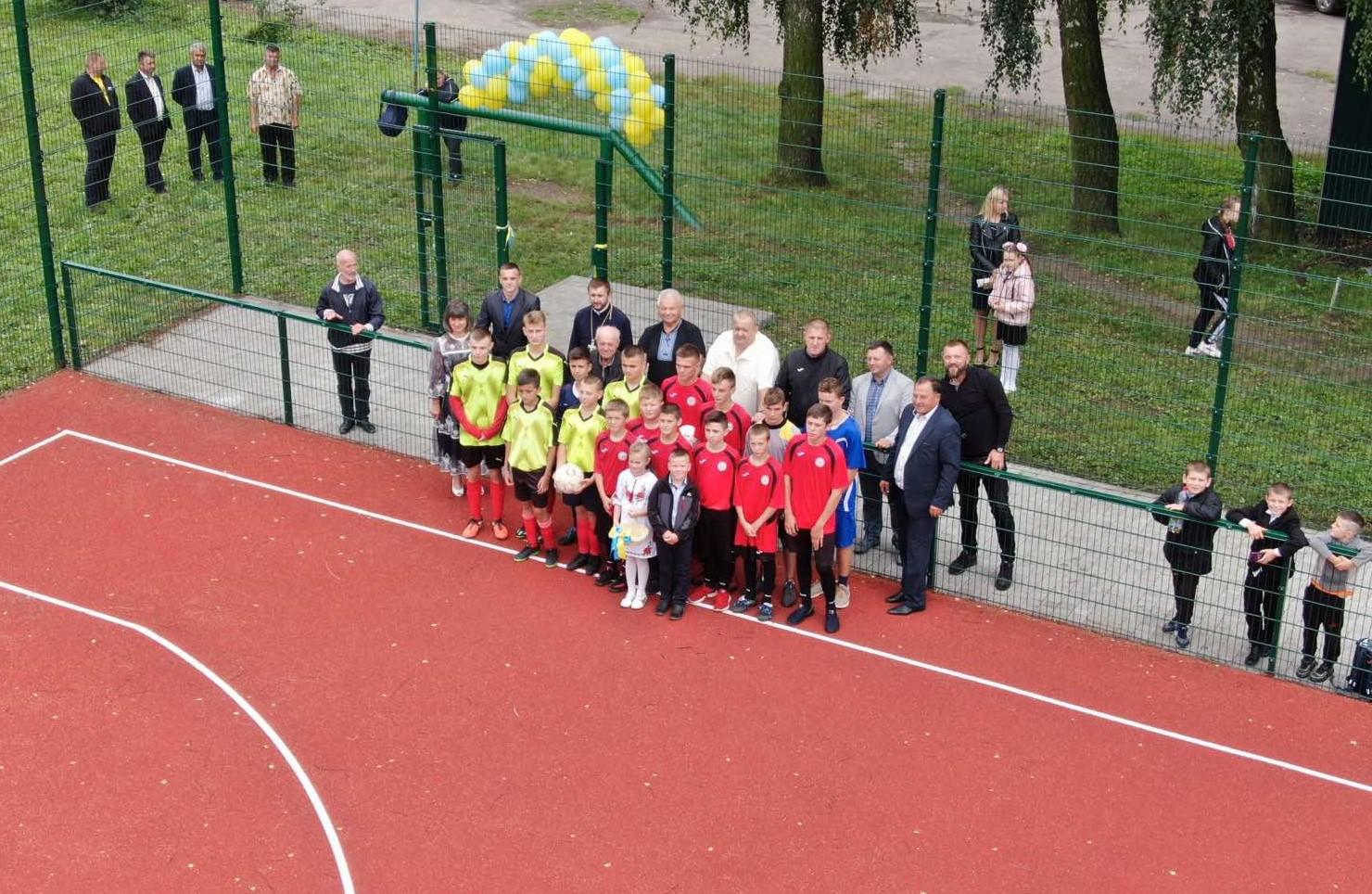 На Горохівщині відкрили новий спортивний майданчик