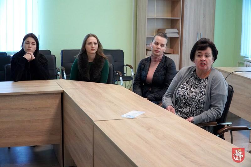 Після інциденту у Нововолинському ЦНАПі обіцяють поліпшити роботу з маломобільними групами населення