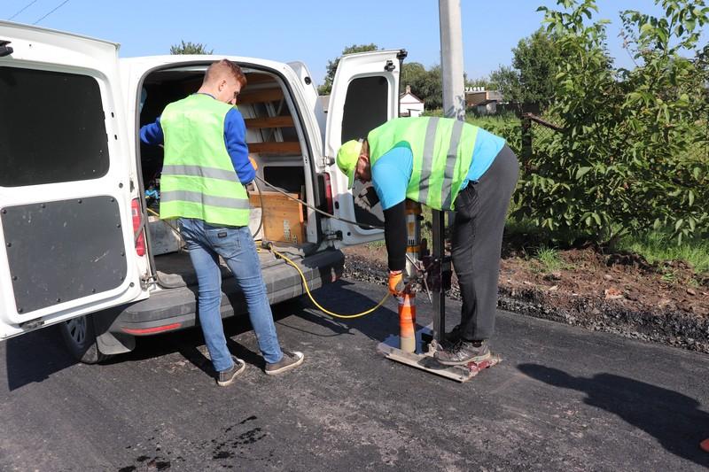У Володимир-Волинській громаді незалежна лабораторія перевірила якість покриття відремонтованих вулиць