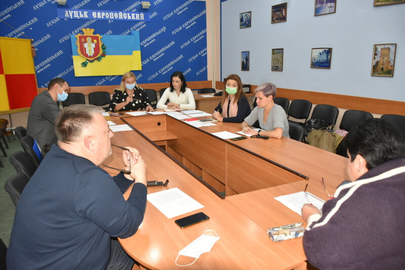 Депутати Луцькради звернуться до центральної влади щодо підвищення пенсій і виплати додаткової пенсії цьогоріч