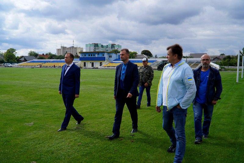 Поліуретанові доріжки на стадіоні у Володимирі-Волинському вкладатимуть на початку жовтня