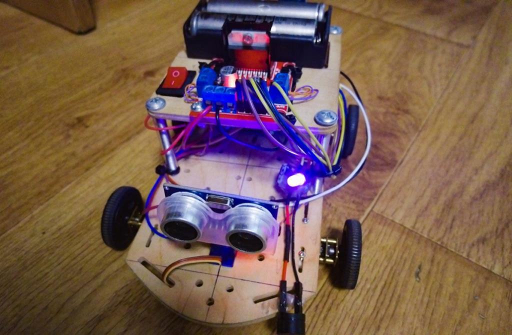 Як у Нововолинську створюють роботів