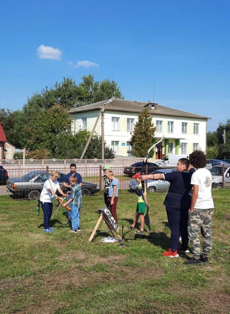 Жителів Боратинської громади навчали стріляти з лука