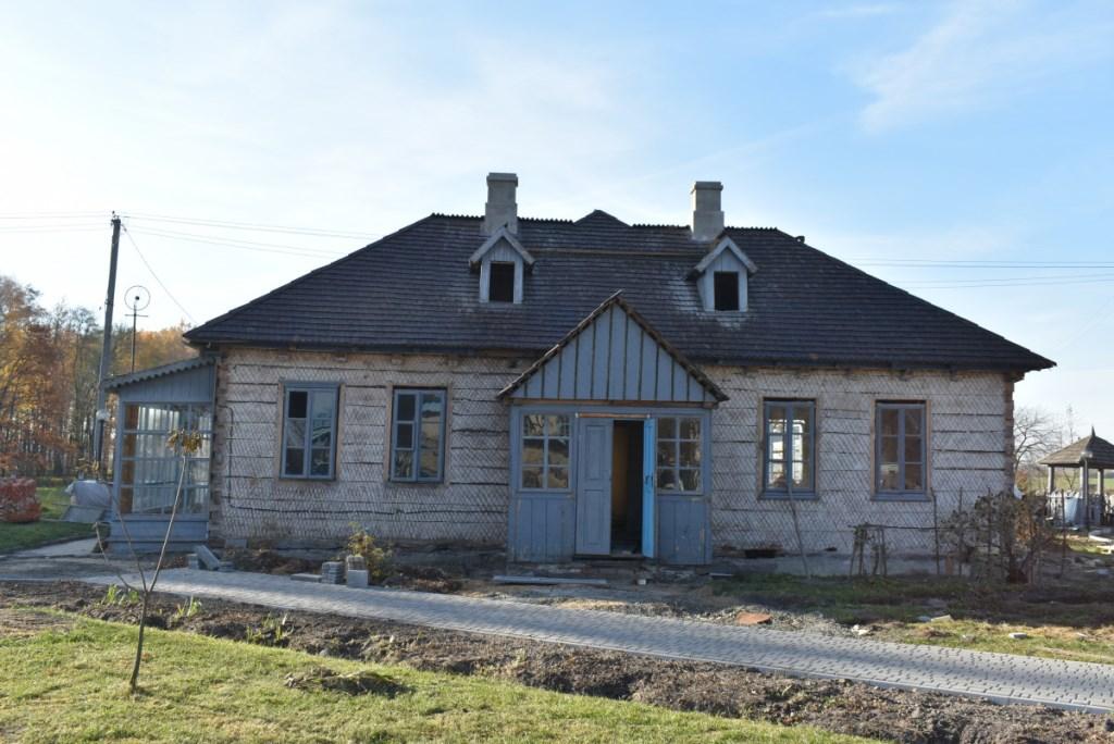 У рамках реставрації садиби Косачів у Колодяжному тривають зовнішні роботи