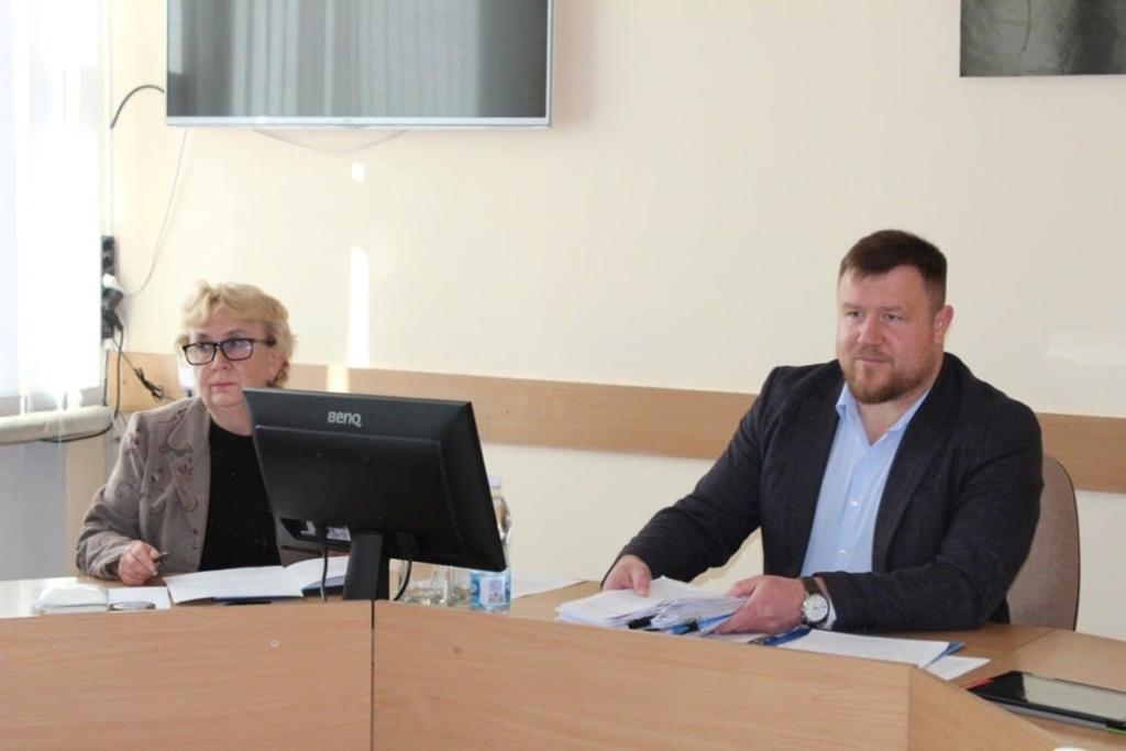 У чотирьох ліцеях Нововолинська обиратимуть нових керівників