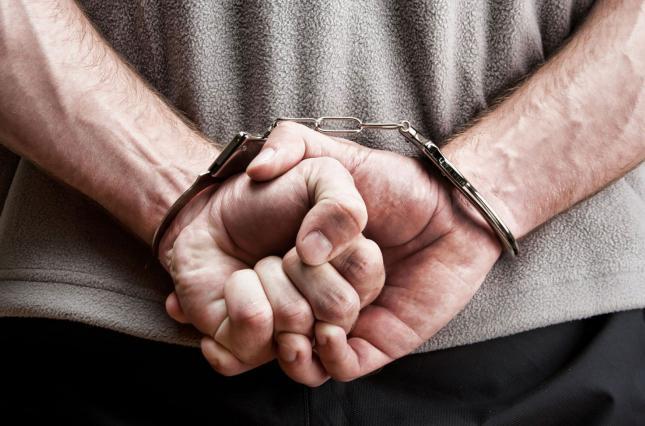 Зламав ґрати та обікрав: ківерцівські поліцейські викрили магазинного злодія