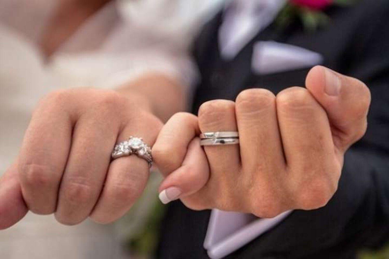 У Луцькому ЦНАПі відновили послугу «Шлюб за добу»