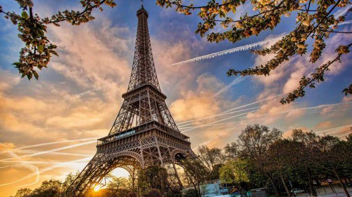 Уряд Франції планує продовжити надзвичайний стан до 31 липня