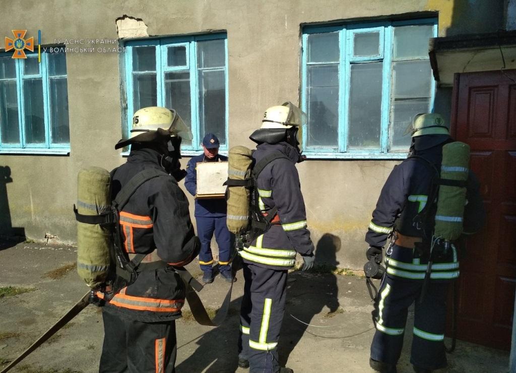 Пожежа у навчальному класі: на Волині організували тактико-спеціальні навчання рятувальників
